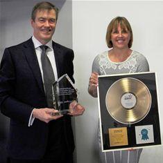 Paul Calnan, Managing Director – CottrillsReward, Judith Nelson, UK Personnel Director – Tesco PLC