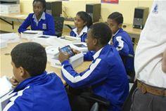 Field trials in Western Cape testing the Yazmi e-learning platform based on Yazmi's satellite-enabled Odyssey™ tablet, photo © Yazmi