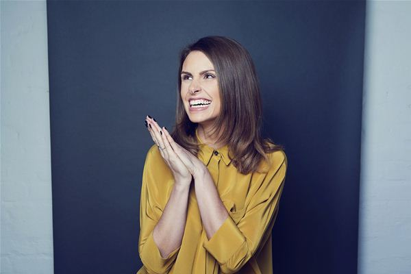 Comedian Ellie Taylor confirmed as host for the Datacloud Awards 2018 Monaco