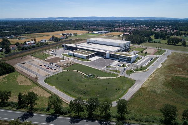 HARTING commissions ultra-modern logistics centre EDC